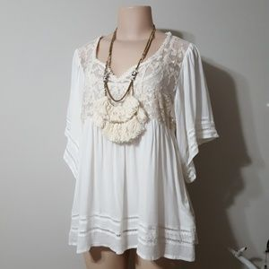 NWT! NEW! KNOX ROSE LACE & FABRIC FLOWY TOP!